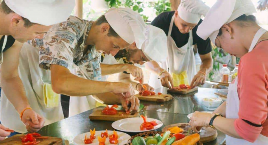 Experience the taste of Vietnam - School Trip 13 days