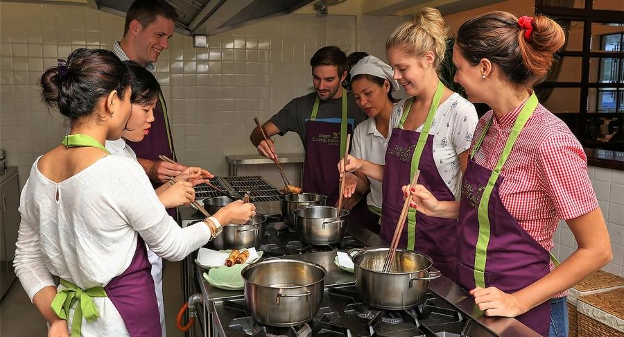 cooking class in hCMC
